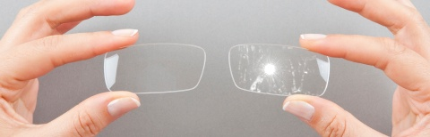Anti-reflective coatings: compare the two glasses