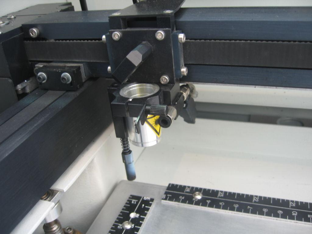 Laser engraving machine for laser marking on metals