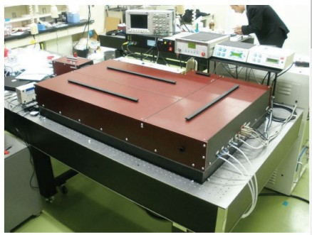 FREGAT-1000 Cr:Forsterite Femtosecond Amplifier